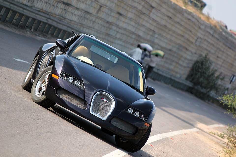 Bugatti Veyron replica based on the Maruti Esteem Pic