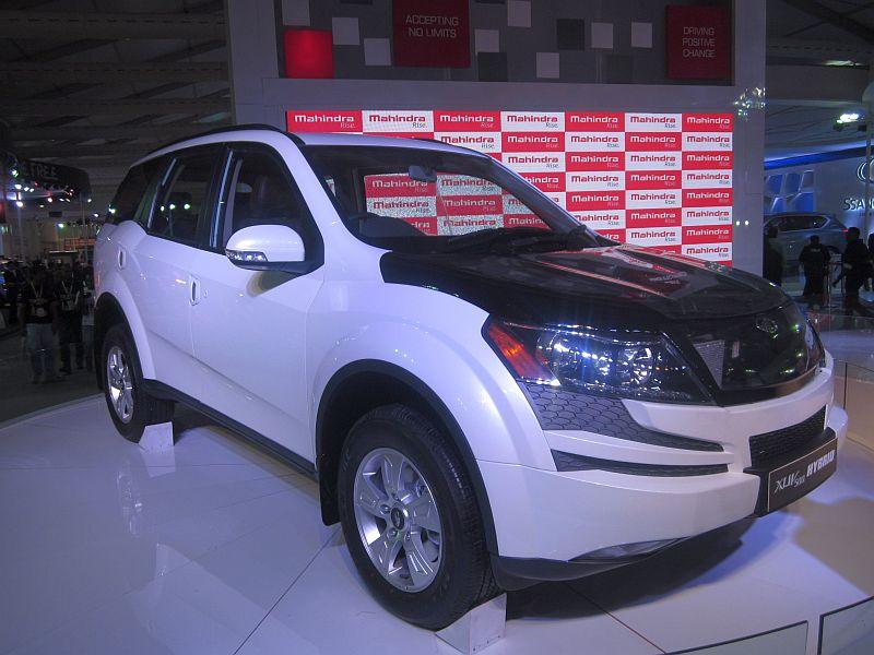 Mahindra XUV500 Hybrid Crossover Image