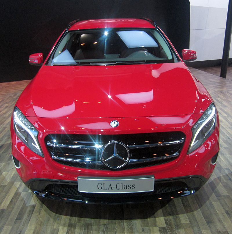 2014 indian auto expo gla crossover and cla sedan mark for Mercedes benz prices in india