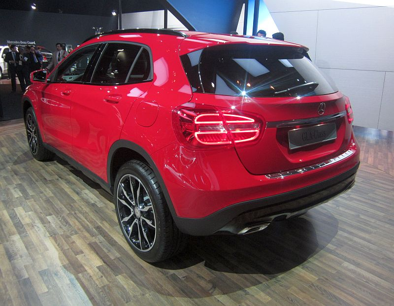 2014 indian auto expo gla crossover and cla sedan mark for Mercedes benz cross over