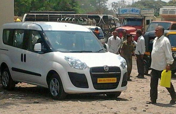 Fiat Doblo MPV and 500L hatchback spotted in India