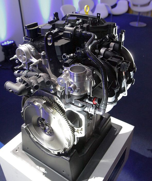 Ford ECONetic 1 liter-3 cylinder Petrol Engine Pic