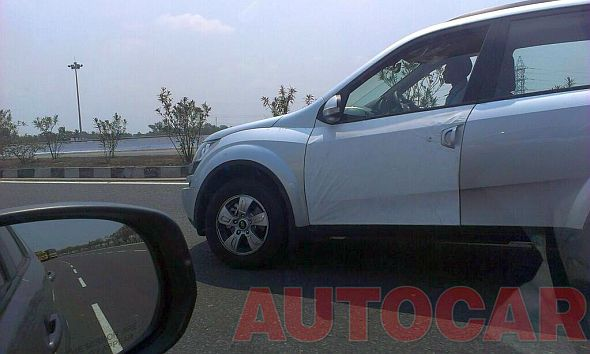 Mahindra XUV500 Crossover Test Mule Pic