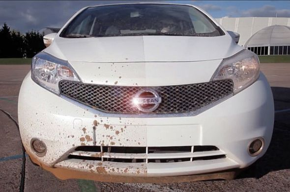 """Nissan Note hatchback with the """"Ultra-Ever Dry"""" self cleaning paint coating image"""