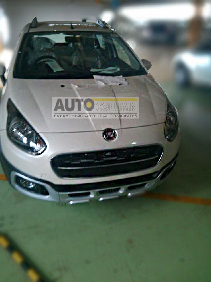 Fiat Avventura crossover styled hatchback in production trim image