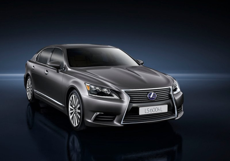 Lexus LS600h L Hybrid Luxury Saloon Image