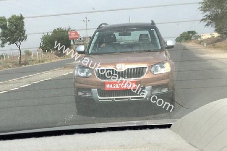 2014 Skoda Yeti SUV Facelift caught on test in India