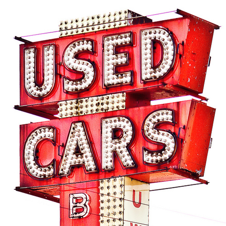 5 things to check for while buying a used car