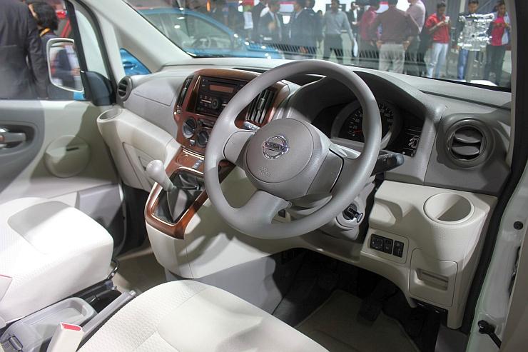 2014 Nissan Evalia MPV Facelift Dashboard Picture