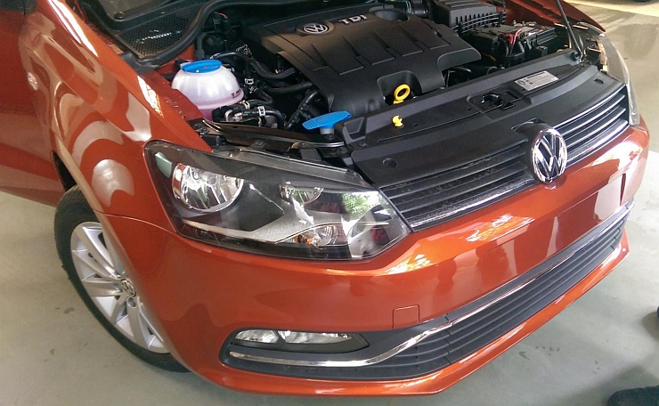 Volkswagen's 1.5 liter TDI Turbo Diesel motor in the Polo's engine bay image
