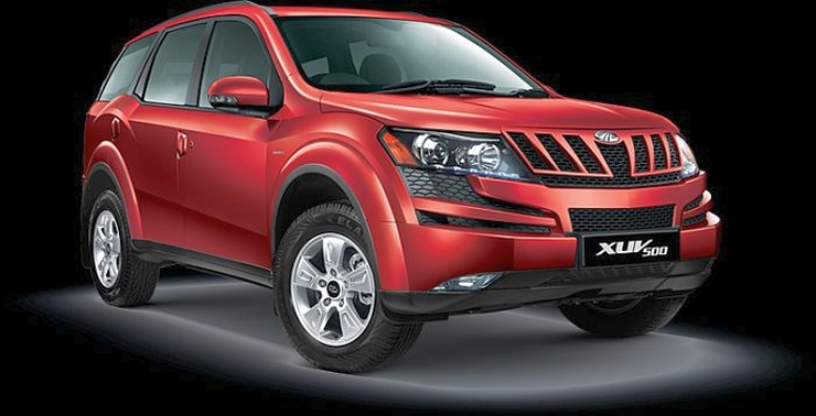 Pre-facelift Mahindra XUV500