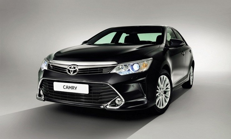 Toyota to launch facelifted Camry in India in early 2015