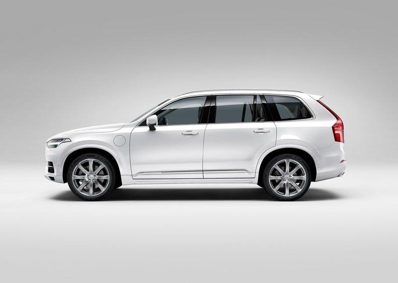 2015 Volvo XC90 Luxury SUV 2