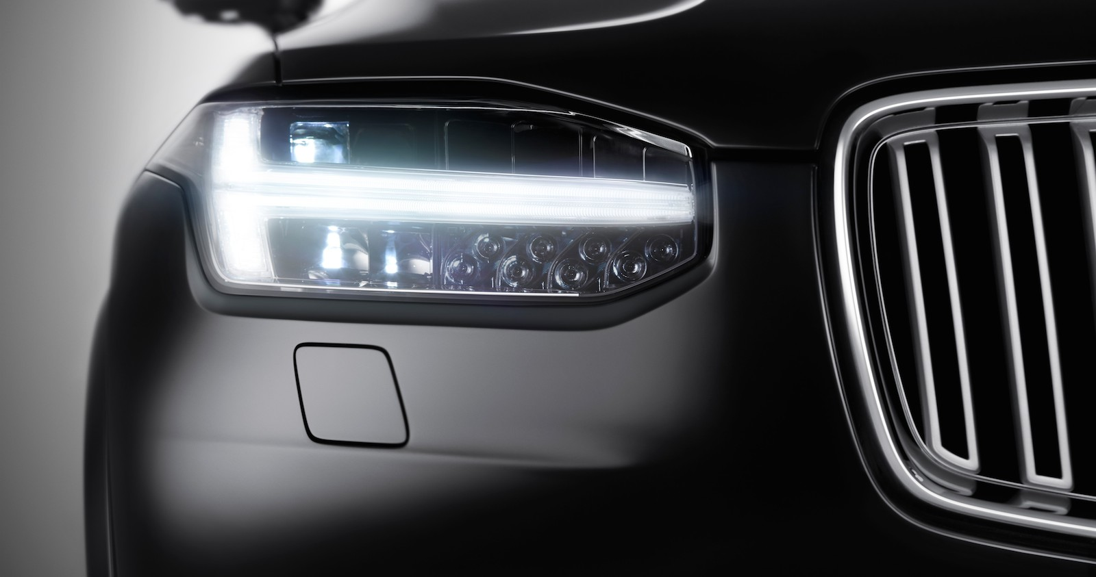 2015 Volvo XC90 SUV premieres on August 27th; Teaser Released