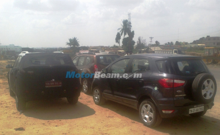 Hyundai iX25 Compact SUV testing alongside the Renault Duster and the Ford EcoSport pic