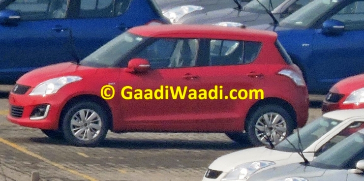 Maruti Suzuki Swift Hatchback Facelift spotted in India