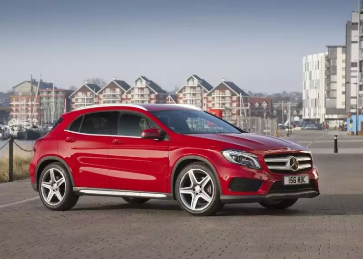 2015 Mercedes Benz GLA Crossover 8