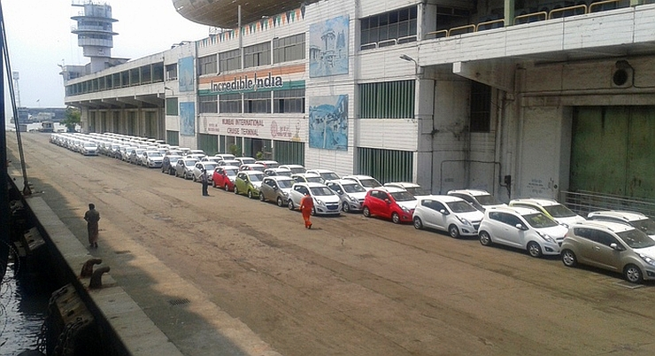 Export oriented Chevrolet Beat hatchbacks at the Mumbai Port Trust Image