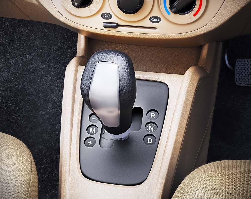 2015 Maruti Suzuki Alto K10 AMT Facelift 5