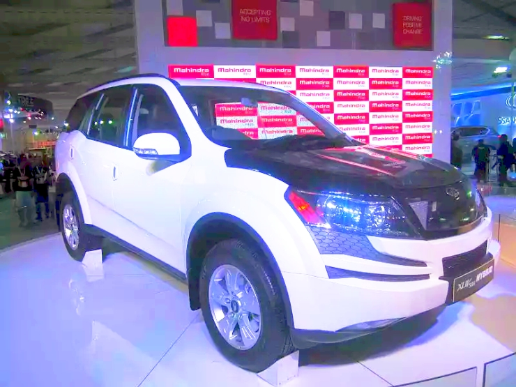 Mahindra XUV500 Diesel Hybrid Crossover Pic