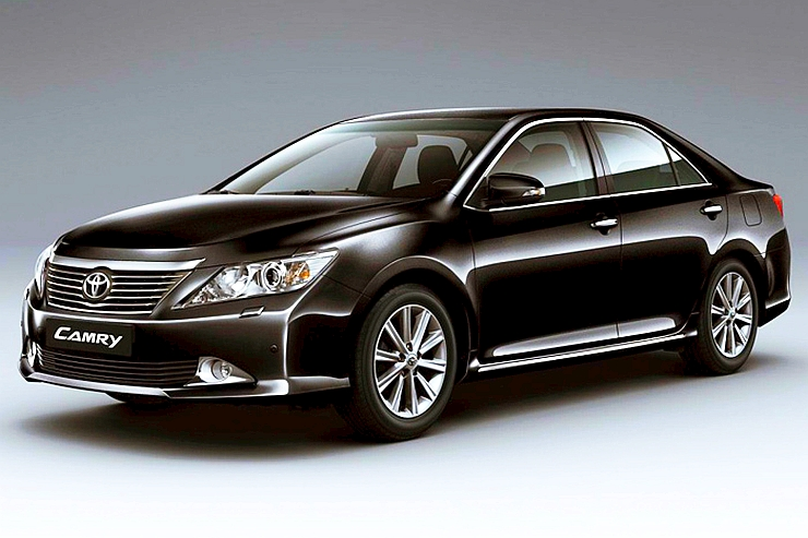 9th and Current Generation Toyota Camry Sedan Photo