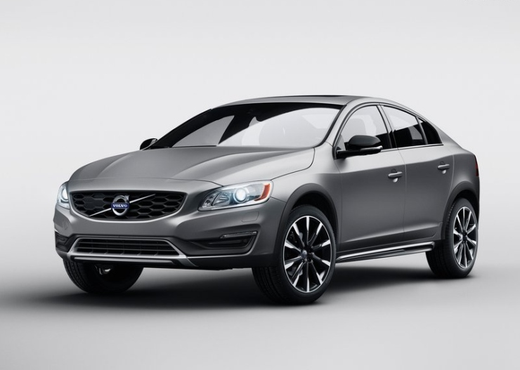 2015 Volvo S60 Cross Country 1