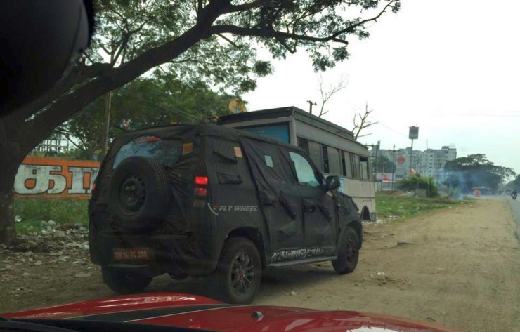 U301 2015 Mahindra Bolero Compact SUV Spyshot Rear