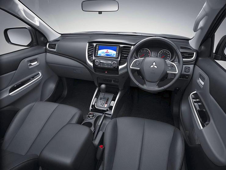2016 Mitsubishi Triton Pick Up Truck's Interiors