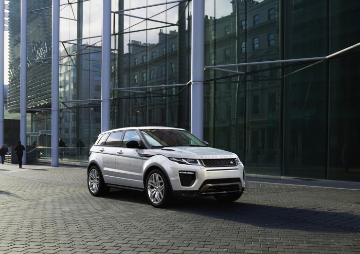 2016 Range Rover Evoque Facelift Front Three Quarters