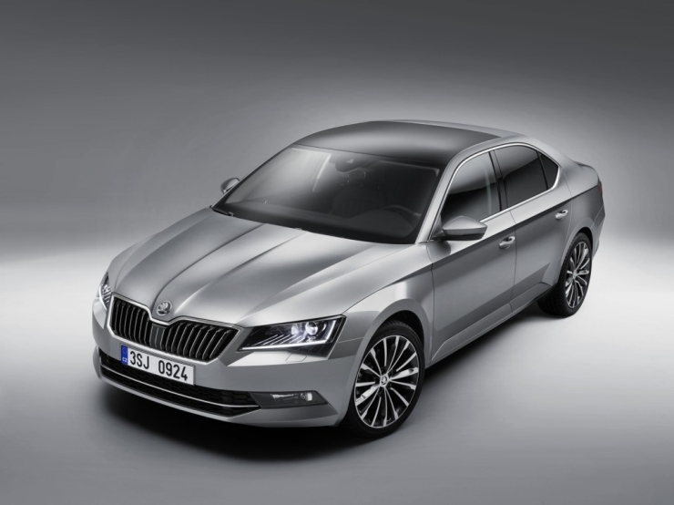 016 Skoda Superb Luxury Saloon