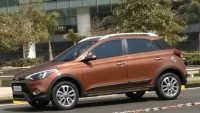 Hyundai i20 Active Crossover Spyshot Front Angle