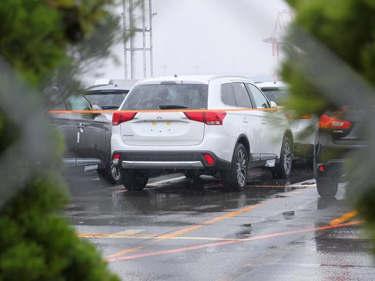 2016 Mitsubishi Outlander Facelift Spyshot