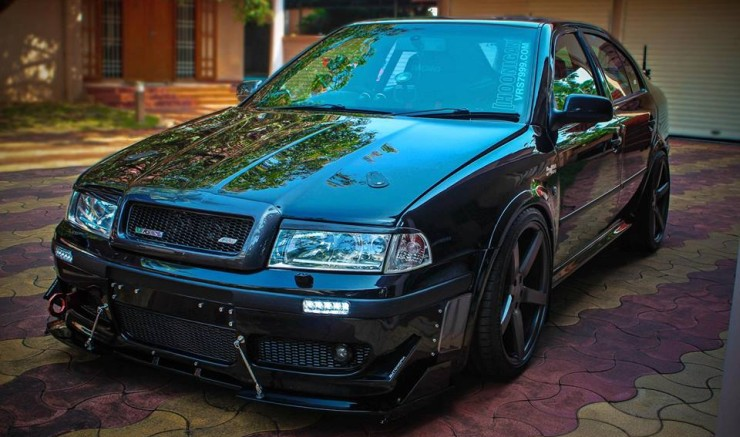 To Keep Dynamics Sorted H R Sports Cup Kit Suspension Uprated Anti Roll Bars And Upgraded Brakes Make It The Package This Octavia Vrs Doesn T Just