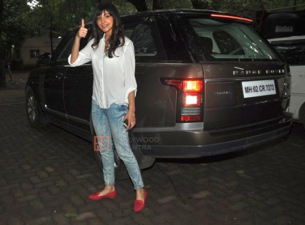 Anushka Sharma with her Range Rover Vogue Luxury SUV