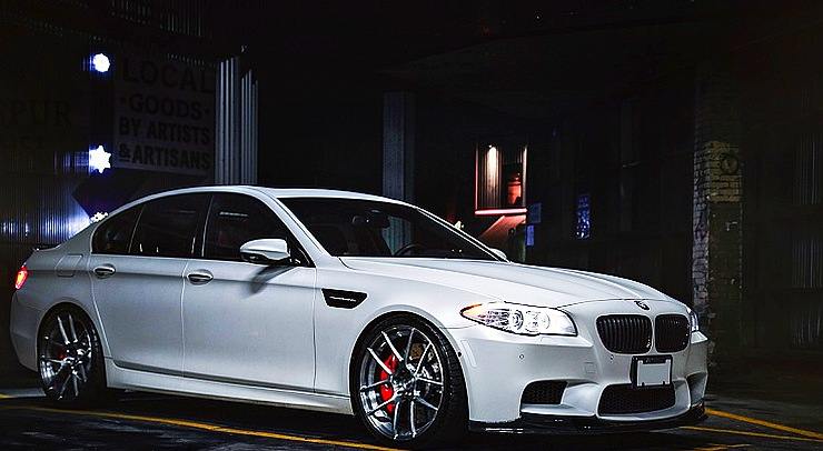 BMW M5 on low profile tyres