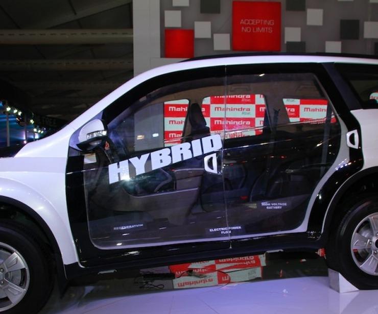 Mahindra XUV500 Diesel Hybrid