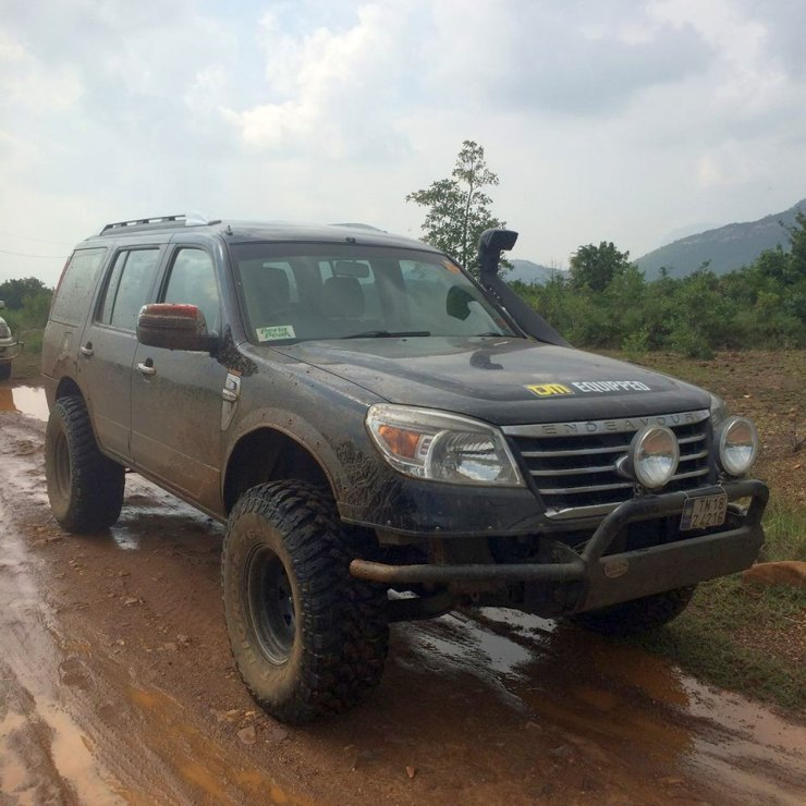 Vishnu Rajam's Ford Endeavour Off Road Custom 2