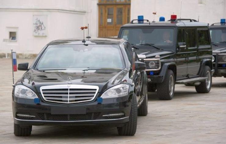 Vladimir Putin in his Mercedes Benz Limousine 2