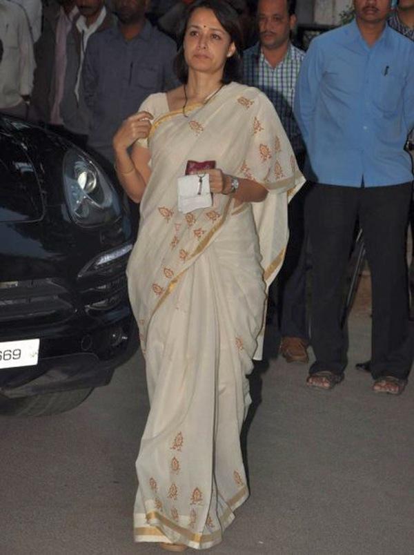 Amala Nagarjuna in her Porsche Cayenne