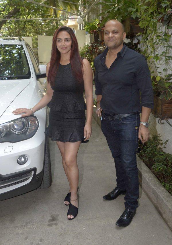 Esha Deol with the BMW X5