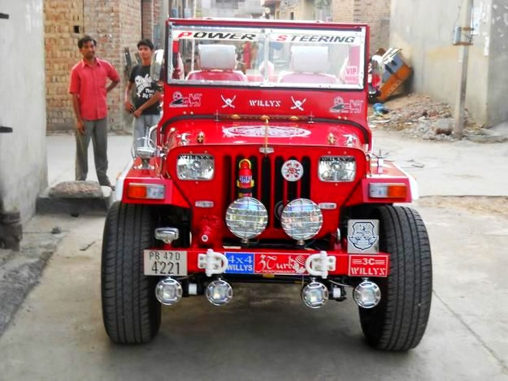 Extra modified Jeep 2