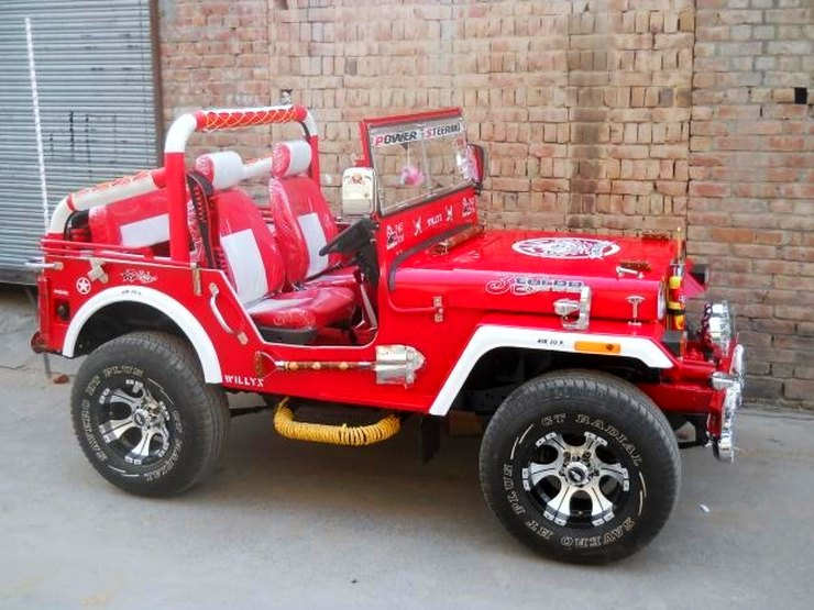Extra modified Jeep 3