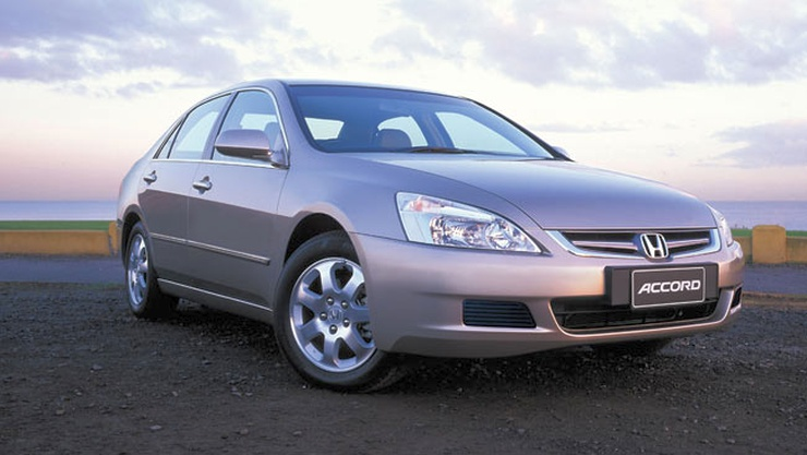 3 powerful v6 petrol pre owned luxury sedans for under 4 for 07 honda accord v6