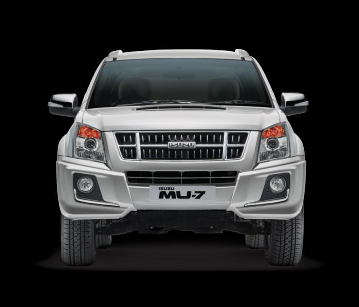 Isuzu MU-7 Automatic SUV 1