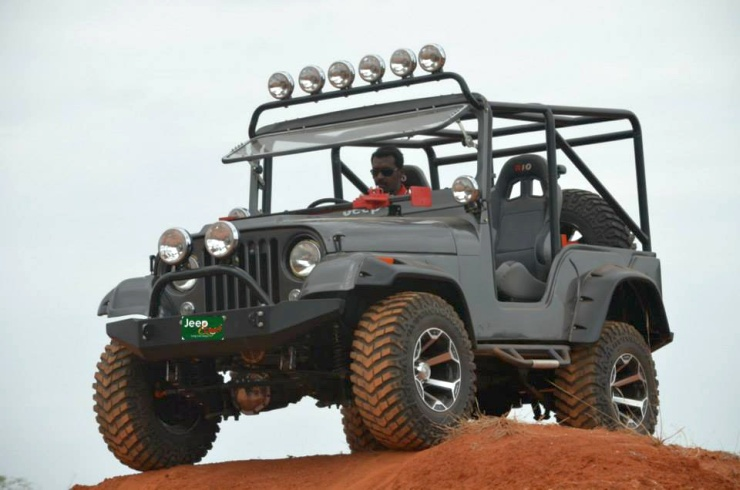 Jeep Clinic Mahindra MM540 2