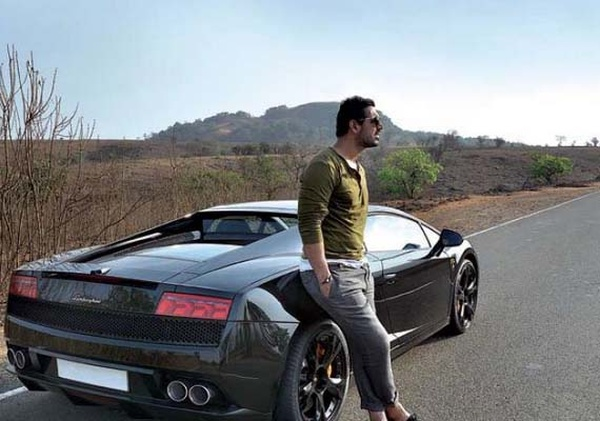 John Abraham with his Lamborghini Gallardo 1