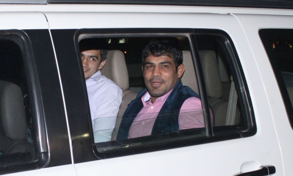 sushil kumar in his ford endeavour