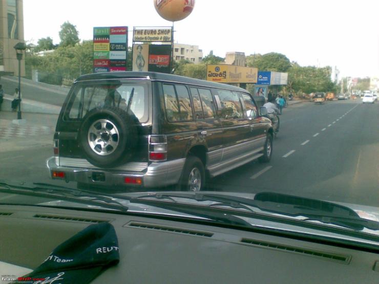 Mitsubishi Pajero limousine