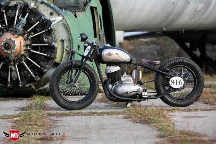 Beautifully modified Yezdi and Jawa motorcycles: Cafe ... Иж Бобер