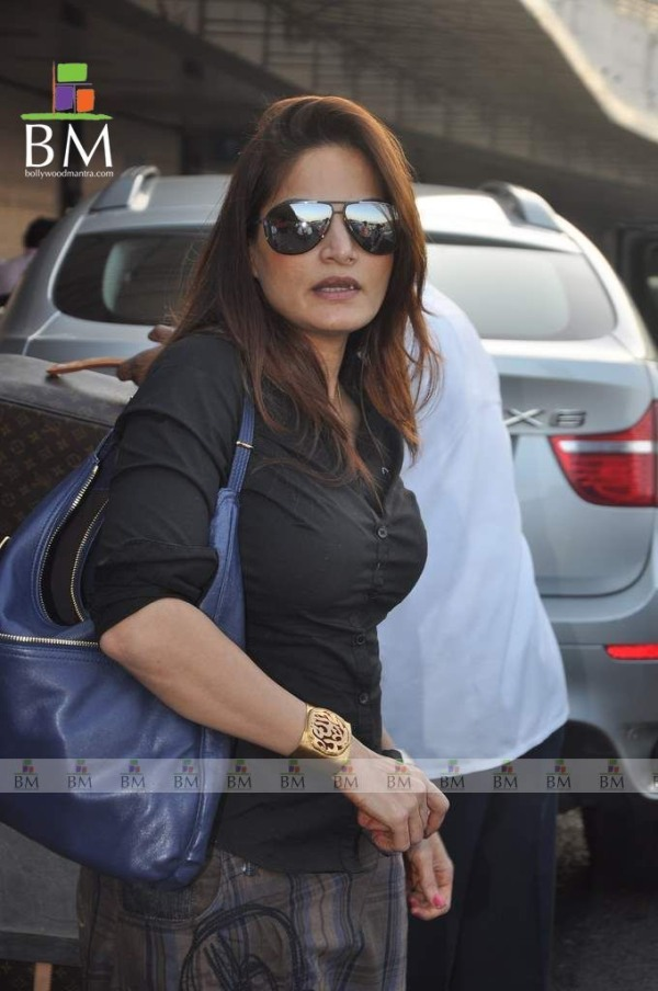 Alvira Khan with her BMW X6